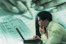 Top 4 Finance Jobs Worth Considering If You Are Looking For A New Career Path
